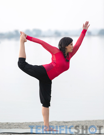 woman_yoga_pose_portrait_outdoor_photography-5