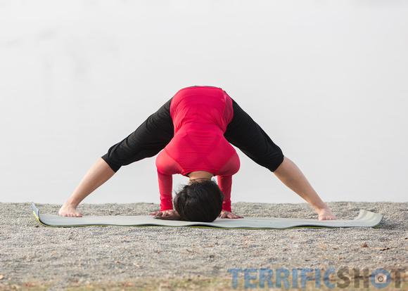 woman_yoga_pose_portrait_outdoor_photography-11