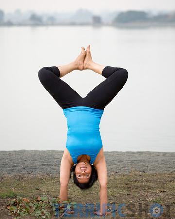 woman_yoga_pose_portrait_outdoor_photography-13