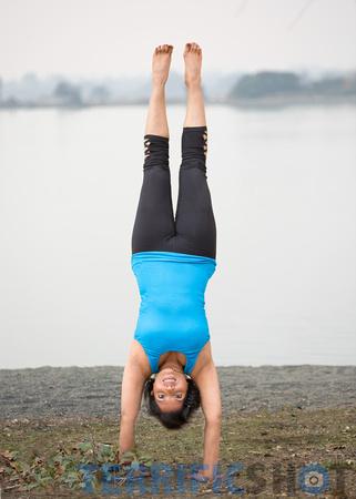 woman_yoga_pose_portrait_outdoor_photography-14