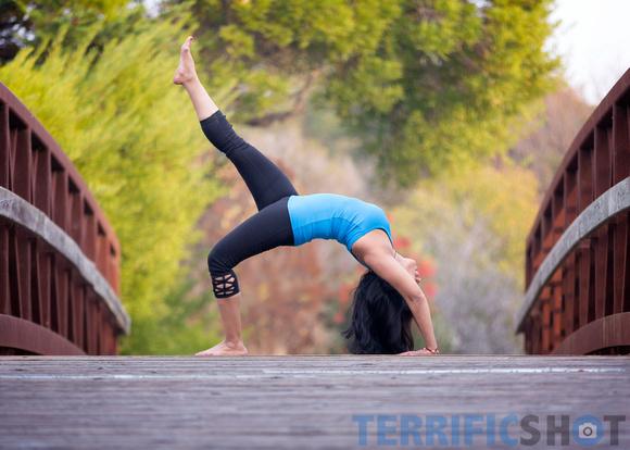woman_yoga_pose_portrait_outdoor_photography-16