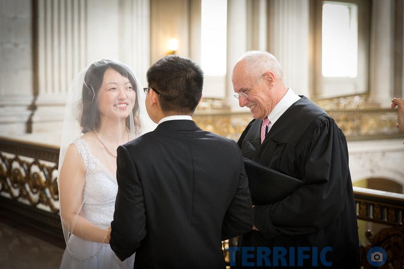 wedding_couple_ceremony_auditorium_san_francisco_city_hall