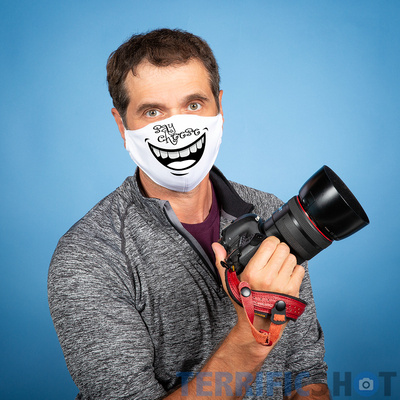 photographer_wearing_mask_for_covid_19